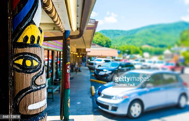 Cherokee Totem Pole and Shops