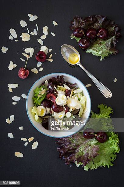 Cherry and mozzarella salad with almonds