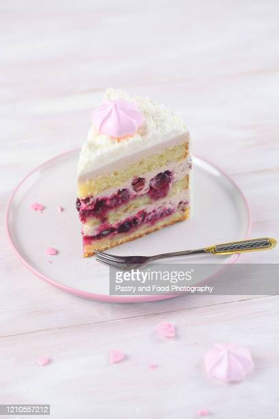 cherry layer cake - cakestand stock pictures, royalty-free photos & images
