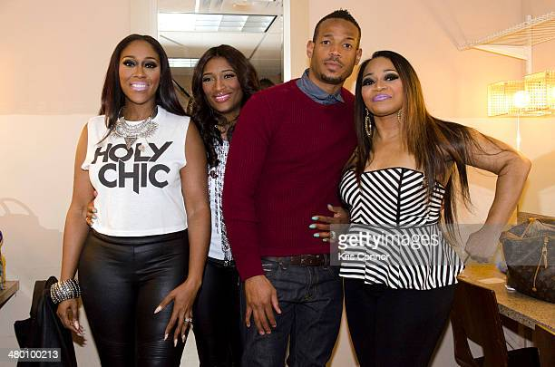 Cheryl 'Coko' Clemons Tamara 'Taj' JohnsonGeorge Marlon Wayans and Leanne 'Lelee' Lyons pose for a photo before the SWV concert at Howard Theater on...