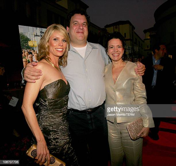 """Cheryl Hines, Jeff Garlin and Susie Essman during """"Curb Your Enthusiasm"""" Season 5 Premiere Screening - Red Carpet at Paramount Theater at Paramount..."""