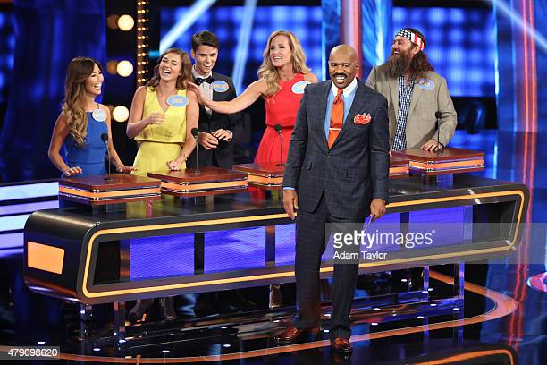 FEUD Cheryl Hines vs Niecy Nash and Duck Dynasty vs Katy Mixon The celebrity families competing to win cash for their charities feature the families...