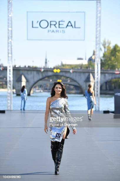 Cheryl walks the runway during Le Defile L'Oreal Paris as part of Paris Fashion Week Womenswear Spring/Summer 2019 on September 30, 2018 in Paris,...