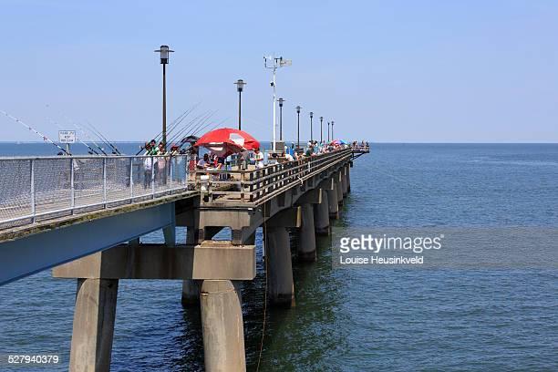 chesapeake bay bridge tunnel fishing pier - chesapeake bay bridge tunnel stock photos and pictures