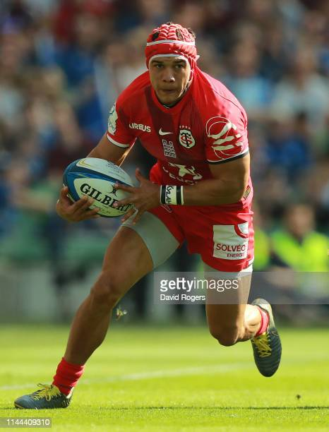 Cheslin Kolbe of Toulouse runs with the ball during the Champions Cup Semi Final match between Leinster Rugby and Toulouse at the Aviva Stadium on...