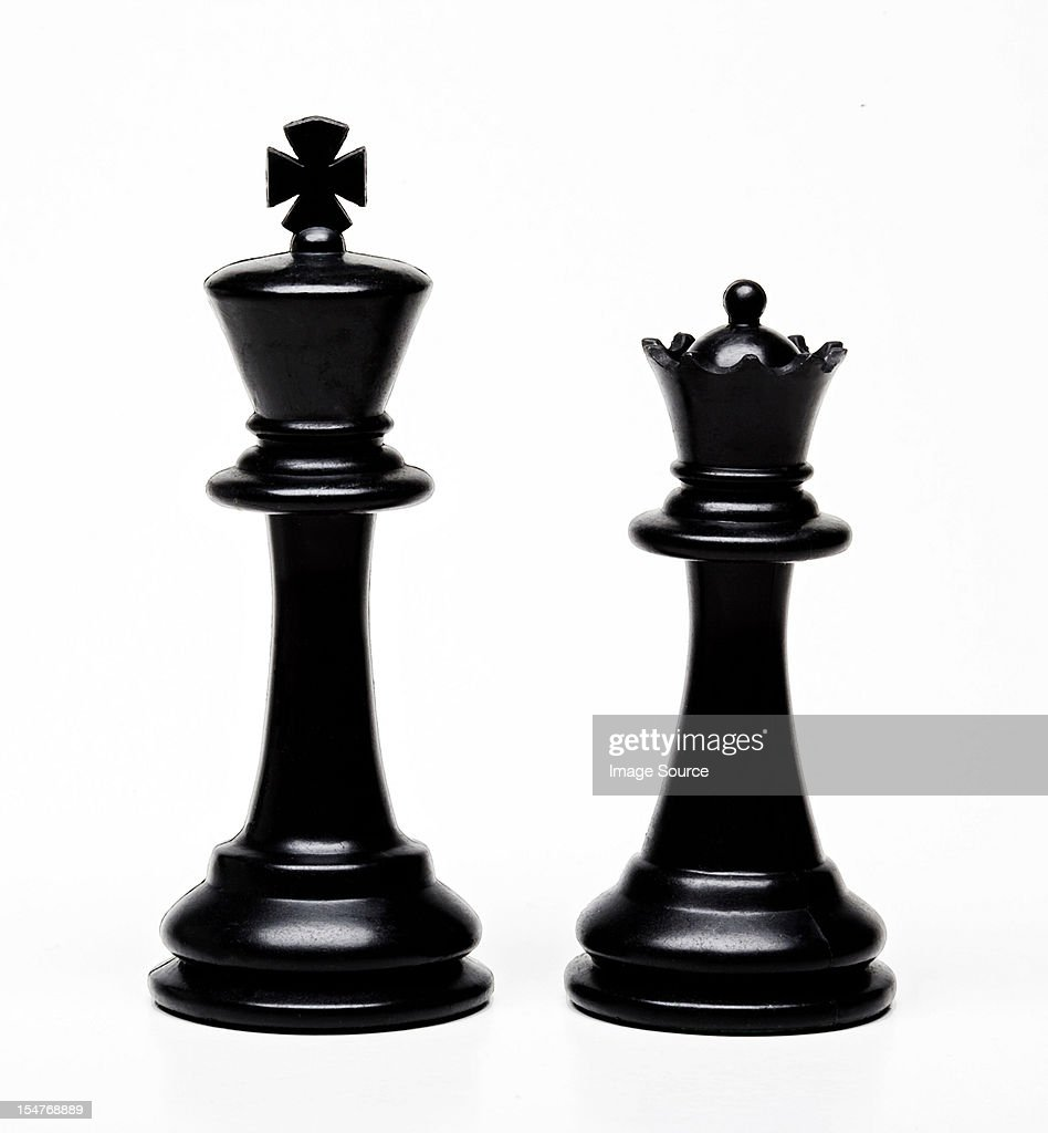 Chess king and queen pieces