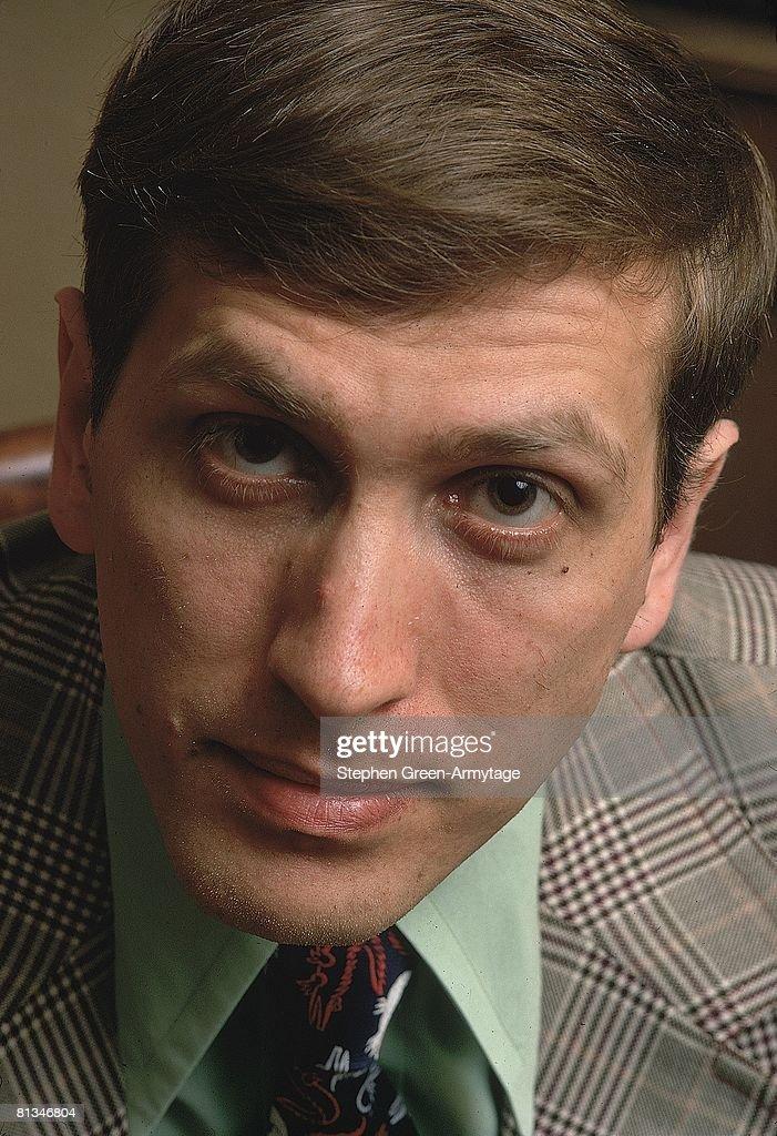 Chess Master Bobby Fischer : News Photo