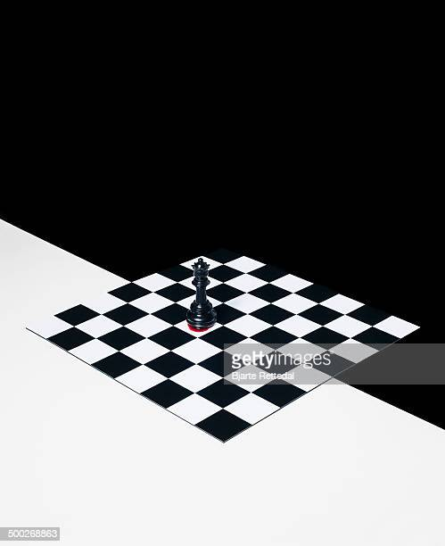 chess queen - checked pattern stock pictures, royalty-free photos & images