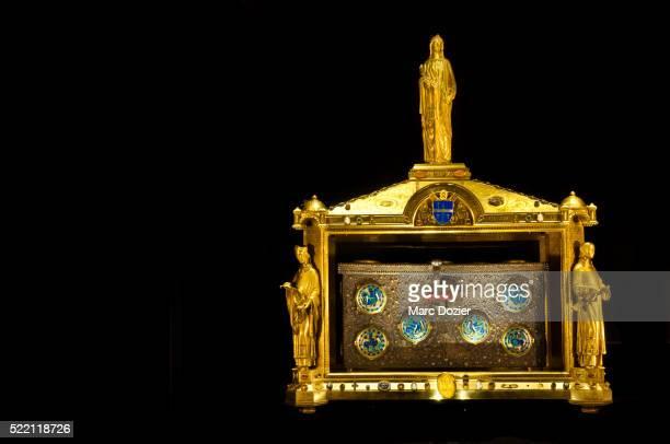 chest reliquary in france - reliquie stock-fotos und bilder