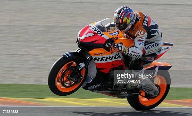 World Motor GP champion US Nicky Hayden tests the new Honda RC212V at the Ricardo Tormo racetrack in Cheste 01 November 2006 AFP PHOTO/JOSE JORDAN