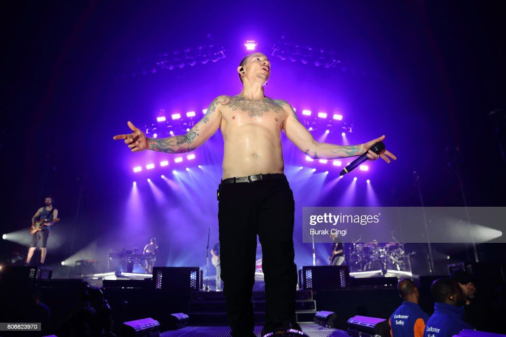 Chester Bennington of Linkin Park performs at The O2 Arena on July 3, 2017 in London, England.