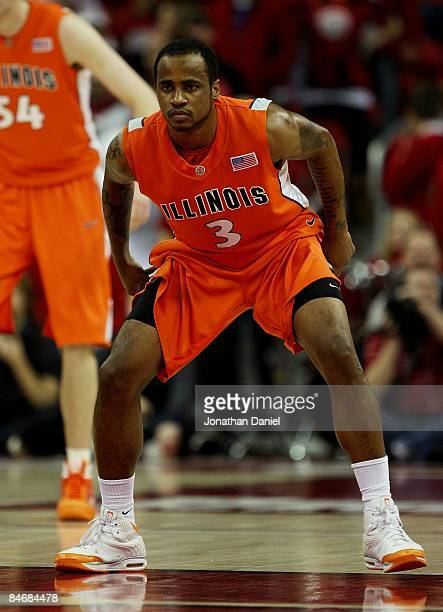 Chester Frazier of the Illinois Fighting Illini prepares to defend against the Wisconsin Badgers on February 5, 2009 at the Kohl Center in Madison,...
