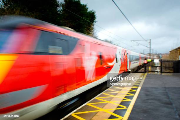 ラヴェンナ鉄道線 - ヴァージングループ ストックフォトと画像