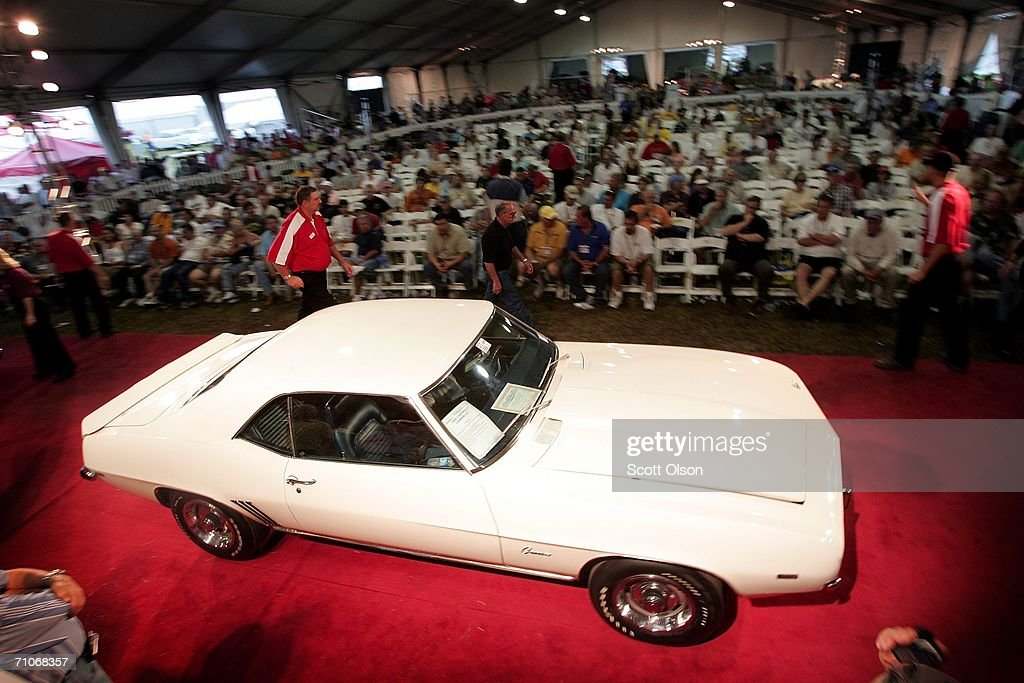 Classic American Cars Fetch High Prices At Auction : News Photo