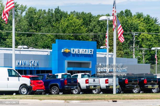 chevrolet dealership in warren, michigan - chevrolet stock pictures, royalty-free photos & images