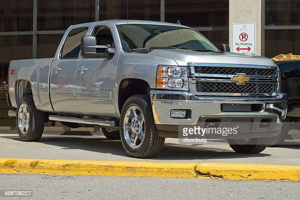 chevrolet heavy duty 2500 truck - chevrolet stock pictures, royalty-free photos & images