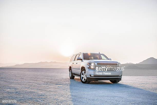 chevrolet suburban at bonneville salt flats, utah - robb reece stock pictures, royalty-free photos & images