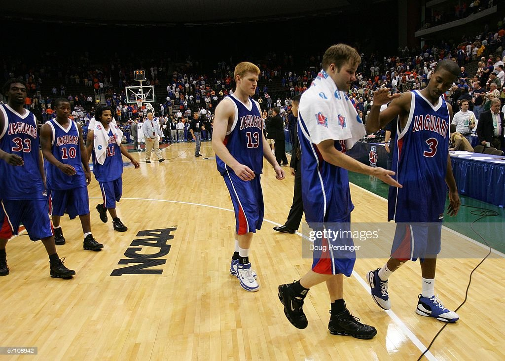 NCAA Round One: Florida Gators v South Alabama Jaguars : News Photo