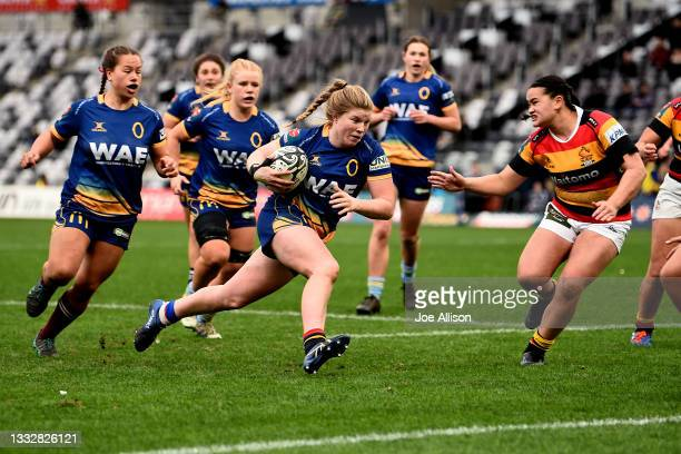 Cheyenne Cunningham of the Otago Spirit charges towards the tryline during the round four Farah Palmer Cup match between Otago and Waikato at Forsyth...