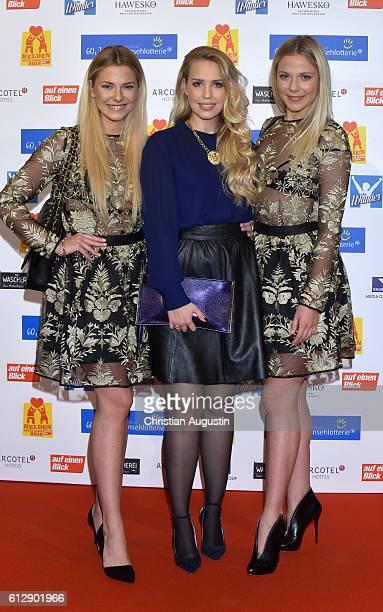 Cheyenne Pahde LaraIsabelle Rentinck and Valentina Pahde attend the 'Helden des Alltags' Gala at Theater Kehrwieder on October 5 2016 in Hamburg...