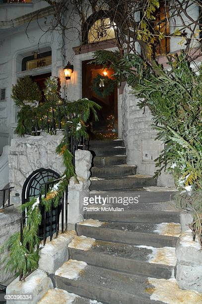 Chez Couri at Leesa Rowland Ramona Singer R Couri Hay Cornelia Guest Salute Animal Ashram @ Chez Couri at Chez Couri on December 19 2016 in New York...