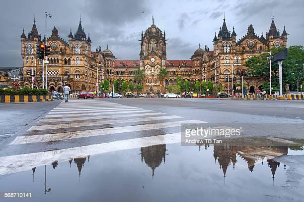 chhatrapati shivaji terminus - monsoon stock pictures, royalty-free photos & images