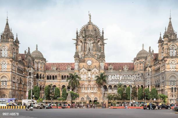 chhatrapati shivaji terminus - joshua alan davis stock pictures, royalty-free photos & images
