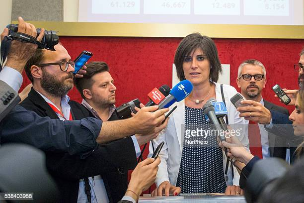 Chiara Appendino of quotMovimento 5 stellequot candidate mayor of Turin speaks after the first results to administrative elections in Turin Italy on...