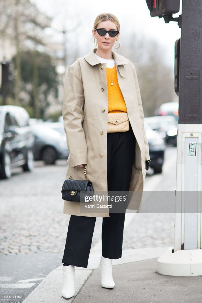 Street Style : Paris Fashion Week Womenswear Fall/Winter 2018/2019 : Day Nine : Fotografía de noticias