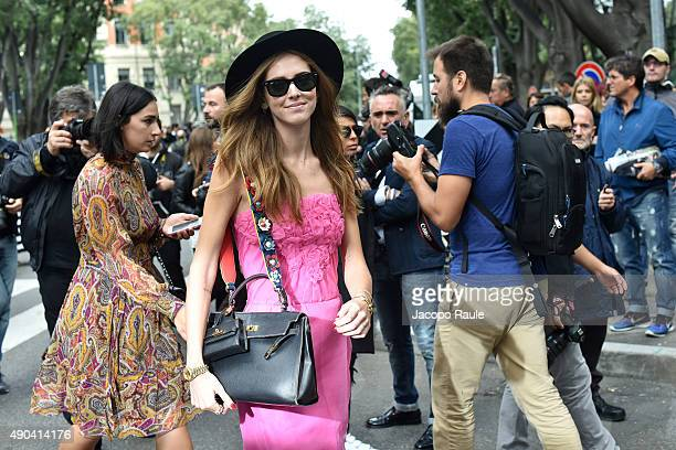 Chiara Ferragni arrives at the Giorgio Armani show during the Milan Fashion Week Spring/Summer 2016 on September 28 2015 in Milan Italy