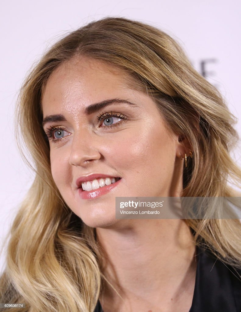 Chiara Ferragni attends a Pantene ambassador photocall in Milan on December 14, 2016 in Milan, Italy.