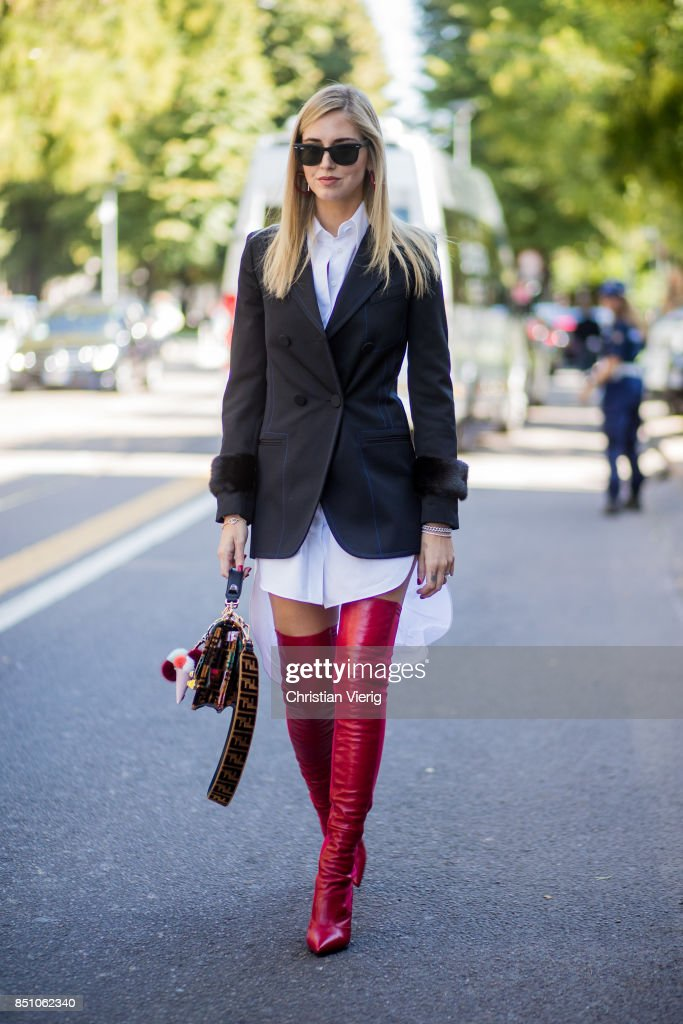 Street Style: September 21 - Milan Fashion Week Spring/Summer 2018 : News Photo