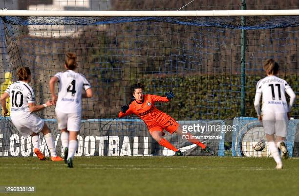 Chiara Marchitelli of FC Internazionale scores the opening goal during the Women Serie A match between FC Internazionale and Juventus at Suning Youth...