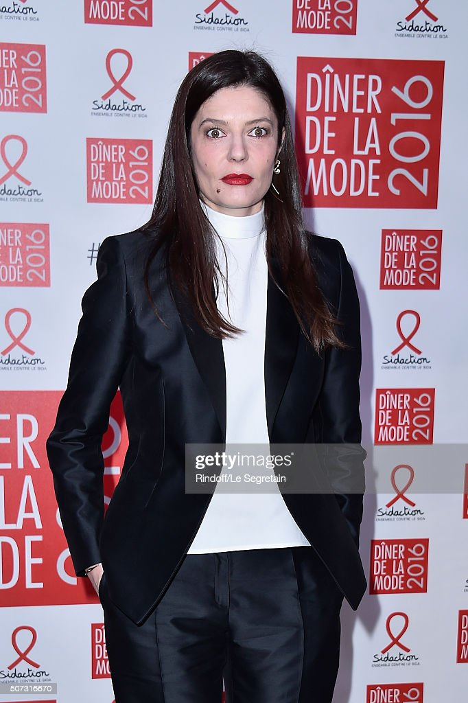 Chiara Mastroianni attends the Sidaction Gala Dinner 2016 as part of Paris Fashion Week on January 28, 2016 in Paris, France.