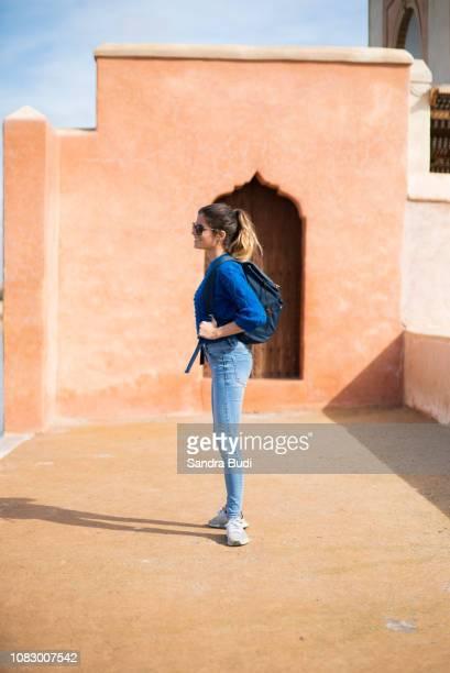 chica en marrakech - femme marocaine photos et images de collection