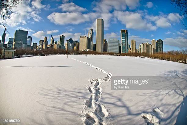 chicaga city with snow - ken ilio stock photos and pictures