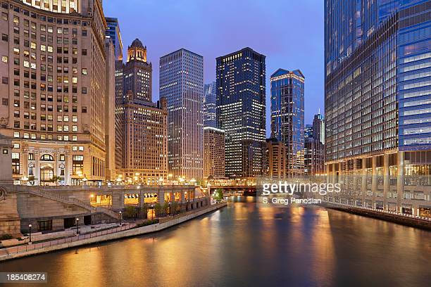 chicago architecture - chicago river stock pictures, royalty-free photos & images