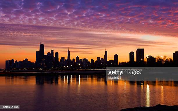 chicago at sunset - lakeshore stock pictures, royalty-free photos & images