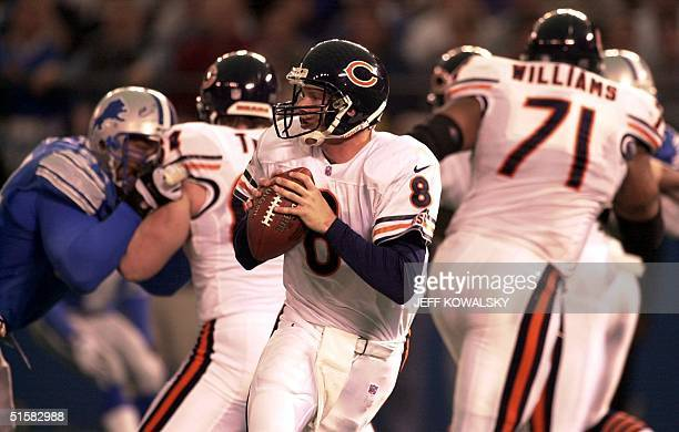 Chicago Bears Cade McNown looks down field against the Detroit Lions 24 December 2000 at the Silverdome in Pontiac Michigan The Bears beat the Lions...
