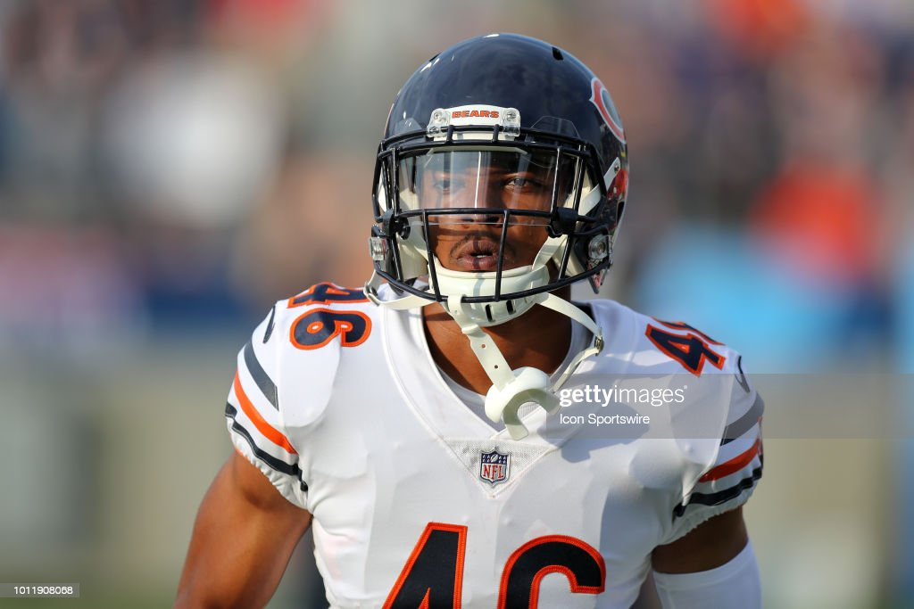 competitive price 46904 d3fa5 Chicago Bears fullback Michael Burton on the field for ...