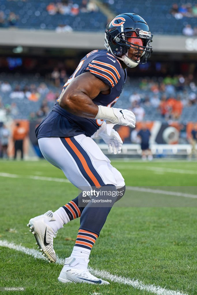 6d6a0c1d257 Chicago Bears linebacker Khalil Mack warms up prior to the start of ...