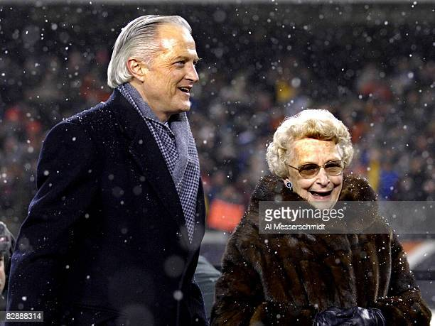 Chicago Bears owners Mike and Virginia McCaskey during the NFC Championship game at Soldier Field in Chicago Illinois on January 21 2007