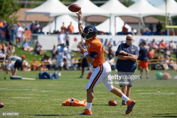 Chicago Bears quarterback Mark Sanchez participates in a practice session during the Chicago Bears Training Camp on July 29 2017 at Olivet Nazarene...