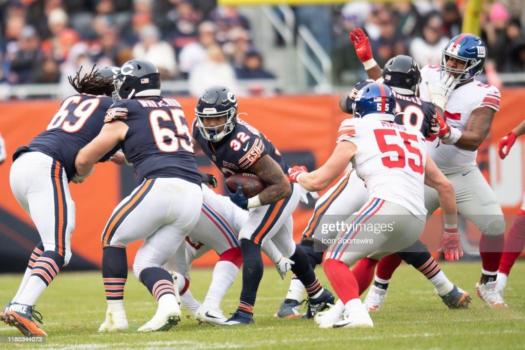 NFL: NOV 24 Giants at Bears : News Photo