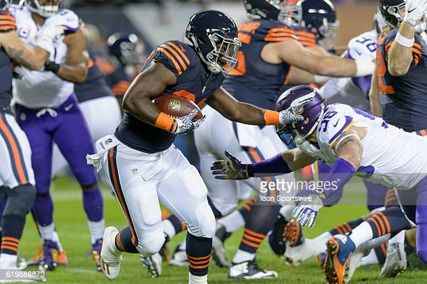 Chicago Bears Running Back Jordan Howard runs with the ball in the 1st quarter during an NFL football game between the Minnesota Vikings and the...