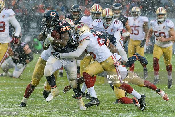 Chicago Bears Running Back Jordan Howard runs with the ball in the 3rd quarter during an NFL football game between the San Francisco 49ers and the...