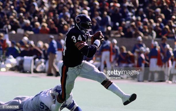 Chicago Bears' running back Walter Payton runs for a touchdown.