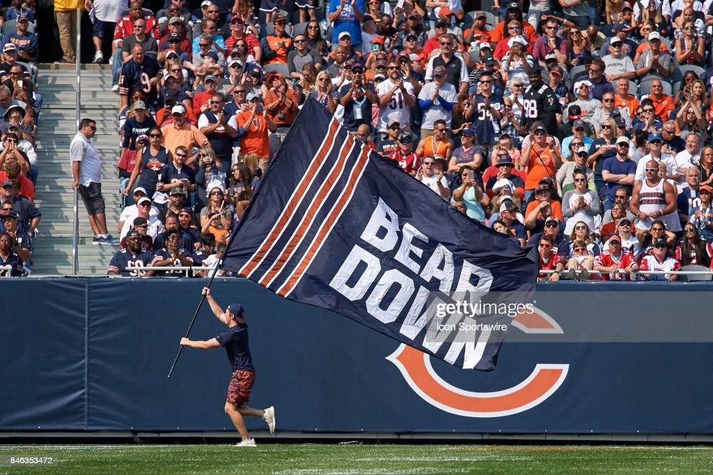 NFL: SEP 10 Falcons at Bears : News Photo
