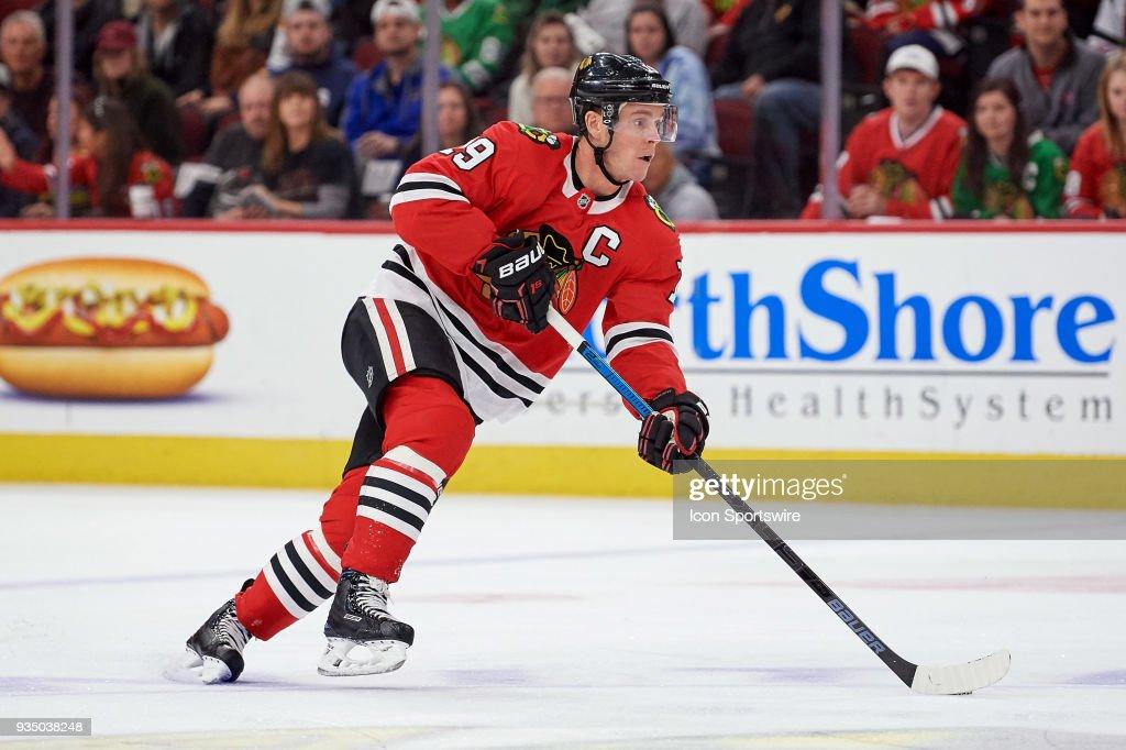 chicago-blackhawks-center-jonathan-toews