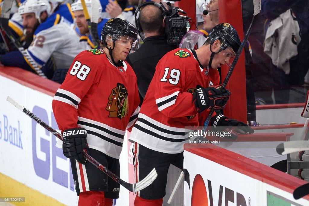 NHL: MAR 18 Blues at Blackhawks : News Photo